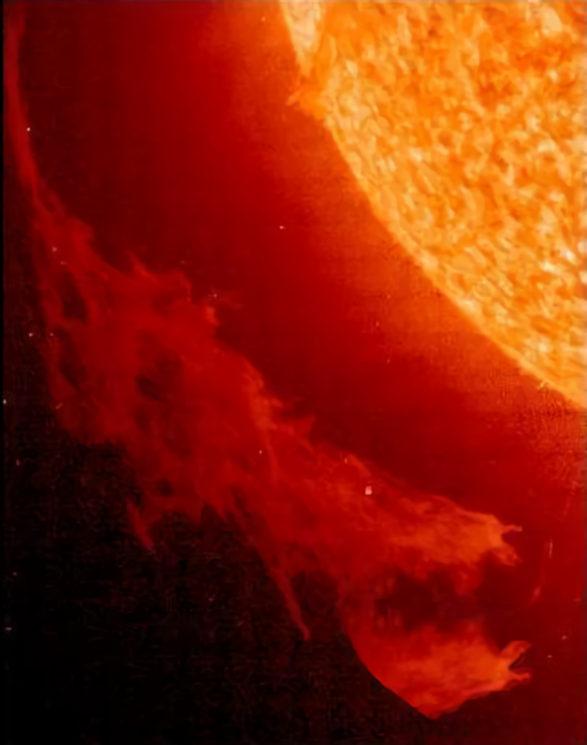 20180622190540-los-dragones-solares.jpg